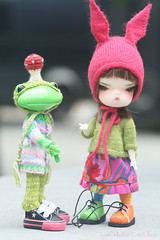 Fred & Wanda (LoveOnTheRox!) Tags: bunny wanda doll handmade 04 helmet frog clothes tiny fred bjd handsewn resin abjd faceup secretdoll miniatureknitting loveontherox wonderfrog megipupu viridianhouse person04 nixipixipuddingpie bunniehat