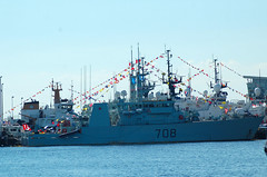 HMCS Moncton (MM708) (jelpics) Tags: ocean sea boston harbor boat ship navy vessel canadian shipyard naval bostonma warship 708 warof1812 navyyard bostonharbor kingstonclass canadiannavy navyweek hmcsmoncton canadianwarship mm708 hmcsmonctonmm708