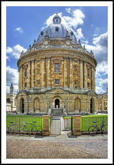 Radcliffe Camera (Fazer44) Tags: blue england sky green stone clouds canon bicycles oxford radcliffecamera oldbuilding