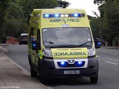 East Midlands Ambulance Service Peugeot Boxer Emergency Ambulance On Scene (PFB-999) Tags: new blue hospital lights call scene ambulance east boxer service emergency job peugeot emas grimsby midlands bluelights on