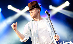 Olly Murs - Ponty's Big Weekend (Mike Lewis - Photography) Tags: show music sun celebrity mike wales canon photography star newspaper big smash tour heart you weekend live south caroline lewis images x daily pop host diana thinking beat getty reality hits skips olly fact