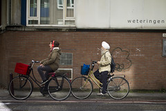 Amsterdam_16 (Mikael Colville-Andersen) Tags: street holland netherlands amsterdam fashion bike bicycle photography cycling blog photographie strasse streetphotography bici chic turban sikh rue mode fahrrad vlo sykkel decisivemoment cykel fotografi bicicletta gade cykling streetstyle girlsonbikes cyclechic copenhagencyclechic cykelpige