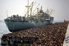 The Vlora at the dock in Bari (Italy) with 20000 Albanian migrants, 1991 [2560x1700] . #HistoryPorn #history #retro http://ift.tt/1NQ3t07 (Histolines) Tags: italy history dock with retro timeline 1991 albanian bari 20000 the migrants vlora vinatage historyporn histolines 2560x1700 httpifttt1nq3t07