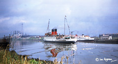 King George V & Queen Mary - May 1971 from Braehead (ianandlaura.ferguson) Tags: scotland clyde queenmary steamer calmac turbine braehead macbrayne kinggeorgev doonthewatter