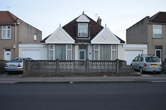 Grand bungalow, Toronto Road, Horfield (gusset) Tags: bristol horfield