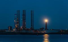 Blue Hour (tribsa2) Tags: lighthouse haven holland dutch twilight industrial harbour bluehour crpuscule vuurtoren ijmuiden canoneos5dmarkii nederlandvandaag canonnl canonef70300mmf456lisusm