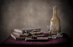 Licorera y libros (JACRIS08) Tags: