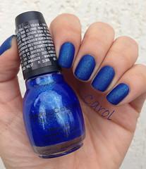 Adam N Eve It - Rimmel + Blue By You - Sinful Colors + Cobertura Fosca - Colorama (carolinaguimaraes) Tags: azul flecks fosco colorama sinfulcolors