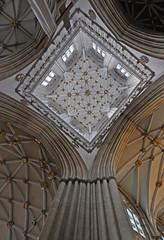 UK - York - Minster (Harshil.Shah) Tags: york england church cathedral britain yorkshire united great gothic kingdom ceiling yorkminster minster archbishopofyork