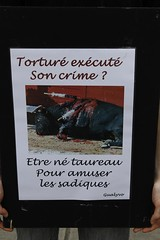 Nantes - Happening anti-corrida (La plante d'abord) Tags: torture animaux sang corrida nantes happening manifestation torero taureaux barbarie tauromachie anticorrida