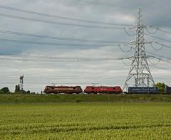 DB Cargo 90s (Wulfruna Kid) Tags: 90035 90040 dbcargo class90 skodas trentvalley lichfield wcml intermodal 2016