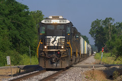 NS 8793 East at MP 402 (BSTPWRAIL) Tags: railroad train illinois mixed ns norfolk railway southern locomotive local freight morton crandall manifest c409 d49