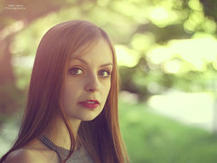 Zarter Hauch (Patrick Scheuch Photography) Tags: woman nature girl beauty female canon 50mm model bokeh modeling outdoor natur young shooting frau augsburg fotoshoot fotoshooting fotowalk weiblich tfp hbsch modelkartei canoneos600d