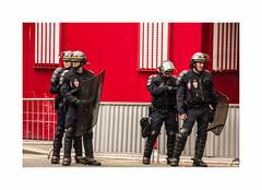 Keufs (hlne chantemerle) Tags: paris photographie faades police extrieur murs homme trottoir urbain crs manifestations btiments photosderue rvolte