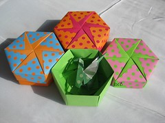 Hexagonal Boxes Mania.... (esli24) Tags: origami box pinwheel schachtel tomokofuse papierfalten hexagonalbox sechseckschachtel esli24