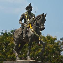 Elegance (Abhijith B.Rao) Tags: horse india statue circle king sword turban karnataka chitradurga handlebarmustache kempegowda nikond80 nikkor1801350mmf3556