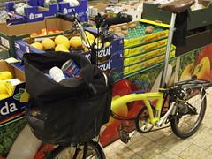 Brompton in Lidl (cycle.nut66) Tags: black bike bicycle shop fruit shopping bag cycling ride small wheels supermarket m riding cycle type yelow fold veg folder folding handlebars lidl carradice bropton