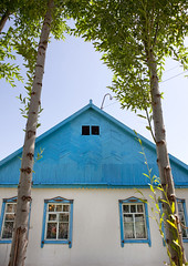 House In The Village Of Kyzart, Kyrgyzstan (Eric Lafforgue) Tags: blue house building vertical architecture asia exterior bluesky nopeople housing centralasia kyrgyzstan colorphoto kyrgyzrepublic kirghizistan kirgistan 0766 kirghizstan kirgisistan قيرغيزستان kyzart киргизия キルギスタン quirguizistão villageofkyzart kyzartvillage