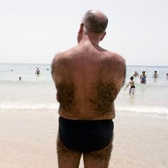 Werewolf (Julio López Saguar) Tags: españa hairy man beach werewolf hair spain playa alicante anonymous hombre pelo benidorm peludo alacant levante hombrelobo anónimos juliolópezsaguar