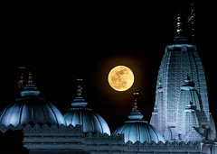 Super Moon 2012 (JLMphoto) Tags: blue atlanta usa moon georgia temple 5 united may super states mandir baps 2012 shri lilburn swaminarayan perigee supermoon