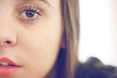 (María Granados) Tags: portrait eye face 50mm retrato lips redlips canon50mmf18 f18