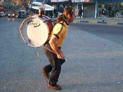 CURIOUS ... ONE MAN BAND ... CHINCHINERO ... CHILEAN STREET PERFORMER ... VIDEO CLIP (elbetobm thanks +9.100.000 views) Tags: street camera old musician man uruguay one video amazing flickr fuji photographer clip f orchestra his plays curious montevideo performer 450 waldo chilean onemanband chinchinero my waldoplayshischinchinero aninstrumentborninvalparaisochilein1960 elbetobm