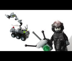 LEGO bomb disposal unit (felt_tip_felon) Tags: