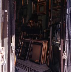 Framed (DeShaun Craddock) Tags: newyorkcity mediumformat landscape analogphotography filmphotography analoguephotography rolleiflexautomatmx rolleiflexautomatk4a rolleiflexautomattype4