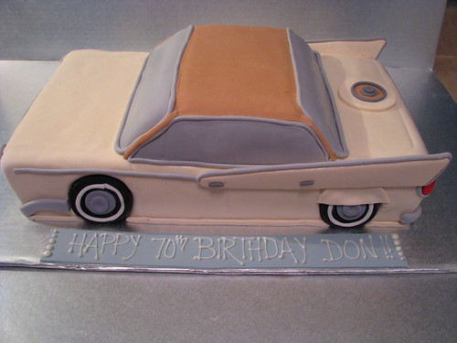 classic car cake: side detail