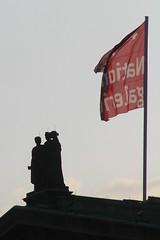 Berlin - Fahne und Statuen/Alte Nationalgalerie (Towner Images) Tags: city copyright berlin architecture germany german mitte berliner towner townerimages