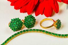 Job para Tallis Jias. (sidneysimplicio) Tags: macro gold still jewelry stillife jewels ouro publicidade esmeralda macrostill jias 100mml