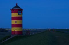 Sonnenaufgang am Pilsumer Leuchtturm (schmitzcoesfeld) Tags: de deutschland ostfriesland nordsee niedersachsen greetsiel krummhrn