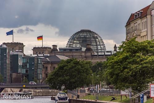De Reichstag bijna altijd zichtbaar in Berlijn