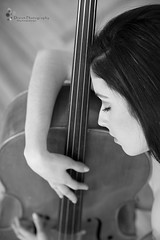 AMA TUS SUEOS (Dream Photography by margamorqui) Tags: white black art blancoynegro blanco beauty canon project hug arte fineart negro dream cello monocromatic bella abrazo sueo proyecto violonchelo dreamphotography threeart followthedream dreamphotographybymargamorqui loveallthatyoudream amaloquesueas