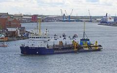 UKD-Marlin-D-20-May-2016 (Steve Ellwood Whitley Bay) Tags: imo ellwood dredger northshields northeastengland portoftyne ukdmarlin steveellwood westernquay humbermarlin callsignmsbk2 mmsinumber232001610