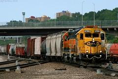 Argentine Transfer in KC (Jeff Carlson_82) Tags: railroad santafe train railway mo kansascity missouri kc transfer railfan bnsf 2789 atsf burlingtonnorthernsantafe gp392 yellowbonnet santafejunction