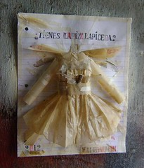 Tienes lapiz - lapicera? (Valeria Dalmon) Tags: sculpture ink paper dress escolar papel vestido relieve delantal valeriadalmon