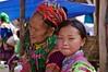 Vietnam : Hmongs bariolées (frankyb66) Tags: old costumes portrait woman flower color colour fleur girl face montagne asia child pentax femme culture vietnam asie tribe hanoi lolo ethnic enfant fille sourire marché couleur nord halong hmong visage vieille indochine asiatique tribu kx tissu jeune tonkin ethnie vietnamian