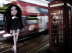 BNDM C9- Fashion Capitals- London- Kline (BratzLuv!) Tags: street london fashion model doll play katia britain next entertainment westwood mga bratz capitals teamz kline vivienne sportz