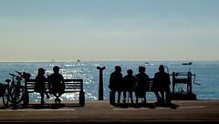 brochettes (b.four) Tags: sea people mer silhouette mare gente gens dda alpesmaritimes cagnessurmer coth supershot bej abigfave diamondclassphotographer flickrdiamond rubyphotographer damniwish mygearandme ruby10 ruby15