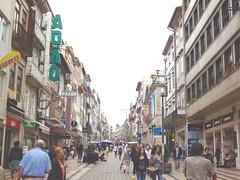 (horasdescontadas) Tags: city urban portugal cityscape porto santacatarina filmgrain stacatarina ruadesantacatarina ruadestacatarina