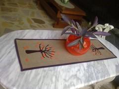 مفرش الخريف runner applique (art art art and me) Tags: autumn orange tree art sewing iraq sew baghdad vase runner applique فن عراق بغداد الخريف اوراق خياطة dhuha ضحى تنزيل الكاتب متساقطة