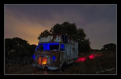 Reinterpretando un clásico... (EL OJO SAYAGUES) Tags: light sky luz canon painting tokina 7d nocturna con zamora pintar 2500 1224 avia furgon sayago 2500r