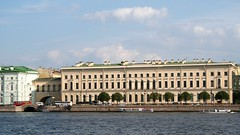 Russia: New Hermitage in St. Petersburg - IMG_7431 (Andreas Helke) Tags: city building topv111 museum architecture clouds canon buildings river stpetersburg europa europe russia wolken 2006 story views stadt architektur fav dslr hermitage popular fluss 169 canoneos350d gebude twa neva eremitage photostory newa fav2 russland inthecity candreashelke worldsfavorite newhermitage wineterpalast haslargesize donothide fav2andmore popularold 9x16l shownbig