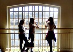 Amanda, Bela e Duda (Kelly Drosdosqui) Tags: friends window vale porto
