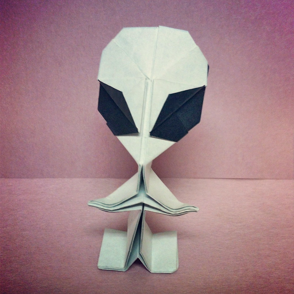 The worlds best photos by riki saito origami flickr hive mind alien4 riki saito riki saito origami tags origami alien jeuxipadfo Images