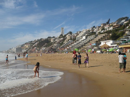 """Viña del mar playa - Chile • <a style=""""font-size:0.8em;"""" href=""""http://www.flickr.com/photos/78328875@N05/7705461678/"""" target=""""_blank"""">View on Flickr</a>"""