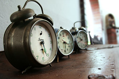 Sin minutero (KChio) Tags: clock photography reloj clocks fotografía relojes twinbellclock