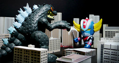 Grendizer vs Godzilla (Jova Cheung) Tags: monster toys actionfigure battle godzilla grendizer superrobot kajiu