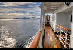 MS Nordstjernen in Woodfjorden 2 - Svalbard (vegarste) Tags: wood june norway juni landscape norge nikon europe norwegen rail svalbard arctic norwegian deck ms getty polar hdr spitsbergen gettyimages hurtigruten landskap hurtigruta dekk reling d90 3xp photomatix nordstjernen tonemapping 3exp costalexpress rekke dørk woodfjorden dørken